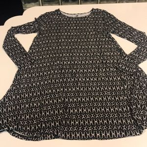Black and white Old Navy long sleeve dress